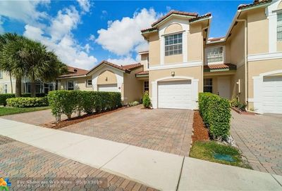 4768 NW 116th Ter Coral Springs FL 33076