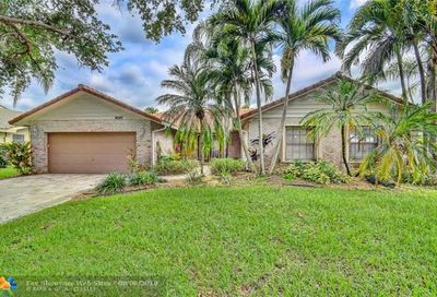 9047 NW 51st Pl Coral Springs FL 33067