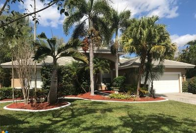 4364 NW 65th Ter Coral Springs FL 33067