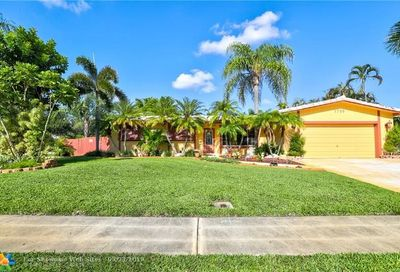 1700 NW 120th Ter Pembroke Pines FL 33026