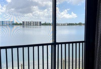 115 Lake Emerald Dr Oakland Park FL 33309