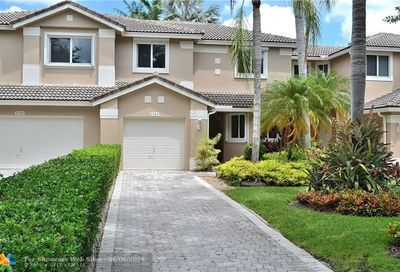 1183 SW 158th Ave Pembroke Pines FL 33027
