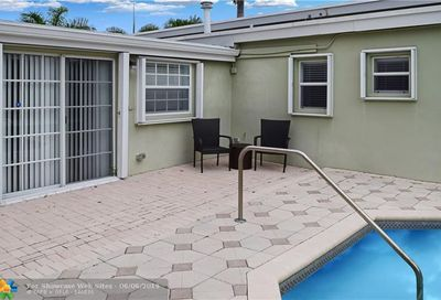 1984 Windward Dr Pompano Beach FL 33062