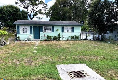 2164 NW 28th St Oakland Park FL 33311