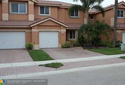12627 NW 56th Dr Coral Springs FL 33076