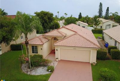 4576 NW 7th Pl Deerfield Beach FL 33442
