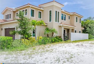 5826 Brookfield Cir Hollywood FL 33021