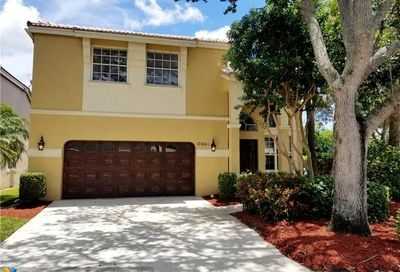 10661 NW 47th Ct Coral Springs FL 33076