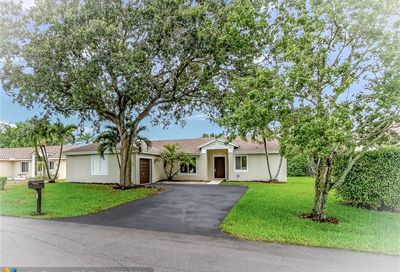 5551 NW 40th Ter Coconut Creek FL 33073