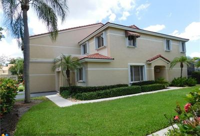 3529 Deer Creek Palladian Cir Deerfield Beach FL 33442