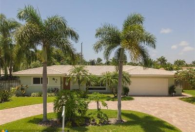 2640 NE 53rd Ct Lighthouse Point FL 33064