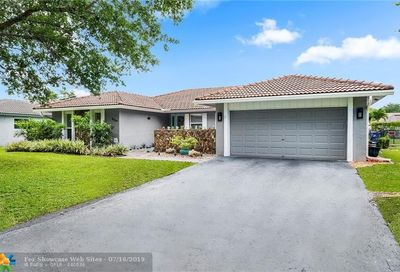 664 NW 99th Ter Coral Springs FL 33071