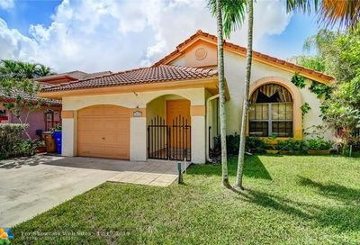 4048 NW 7th Place Deerfield Beach FL 33442