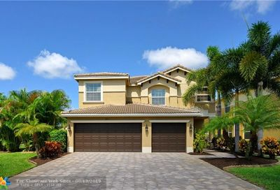 8164 Emerald Winds Cir Boynton Beach FL 33473
