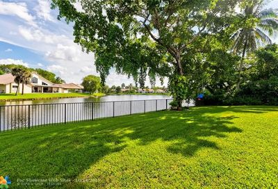 11185 NW 2nd Ct Coral Springs FL 33071