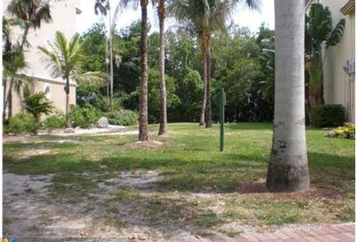 5863 Paradise Point Dr Palmetto Bay FL 33157