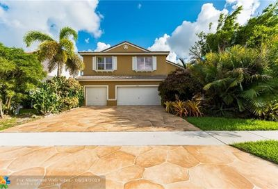 6151 Shadow Tree Ln Lake Worth FL 33463