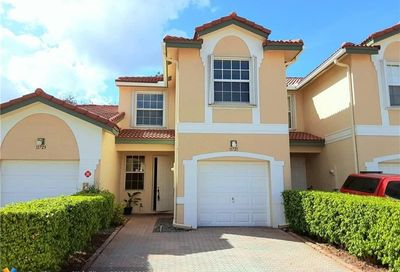 11721 NW 47th Dr Coral Springs FL 33076