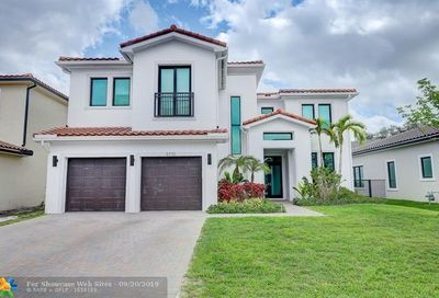 5770 E Brookfield Cir E Hollywood FL 33312
