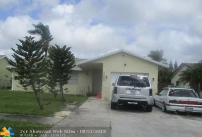 7609 SW 7th Pl North Lauderdale FL 33068