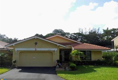 2778 Deer Creek Kelly Brooke Ln Deerfield Beach FL 33442