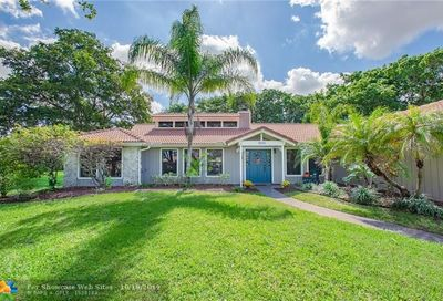 139 SW 84th Ln Coral Springs FL 33071