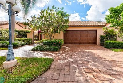 2960 Via Napoli Deerfield Beach FL 33442