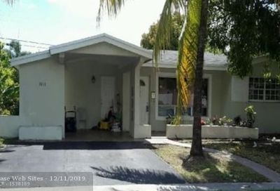 3610 NW 34th Ave Lauderdale Lakes FL 33309