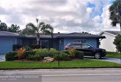 5811 Bayview Dr Fort Lauderdale FL 33308