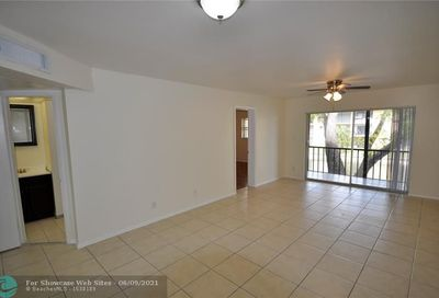 8051 S Colony Cir S Tamarac FL 33321