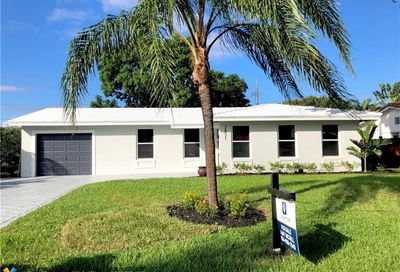 2651 NE 51st Ct Lighthouse Point FL 33064