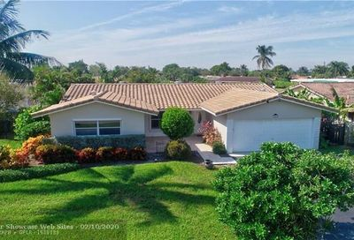 941 SE 10th Ct Pompano Beach FL 33060