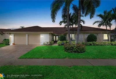 2473 Lob Lolly Ln Deerfield Beach FL 33442