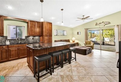 10071 15th Place Davie FL 33328