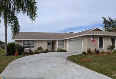 481 SE Evergreen Ter Port Saint Lucie FL 34983