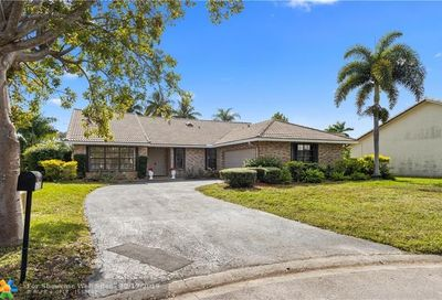 10546 NW 3rd Manor Coral Springs FL 33071