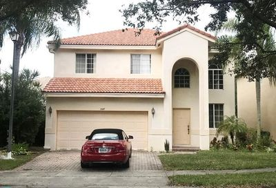 5147 S Heron Ct Coconut Creek FL 33073