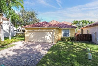 6167 NW 40th St Coral Springs FL 33067