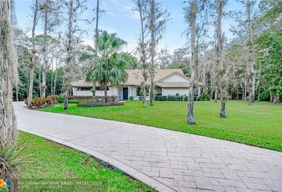 4922 NW 81st Ave Coral Springs FL 33067