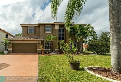 5551 NW 38th Ter Coconut Creek FL 33073