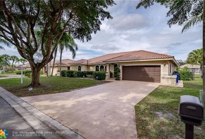 6045 NW 56th Ct Coral Springs FL 33067