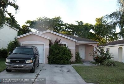 1217 SW 46th Way Deerfield Beach FL 33442