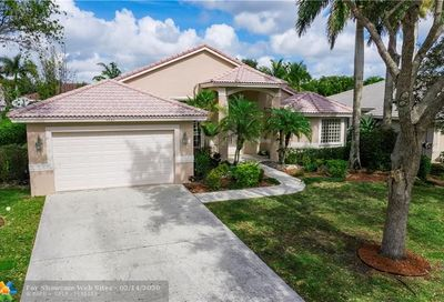 4965 NW 110th Ter Coral Springs FL 33076
