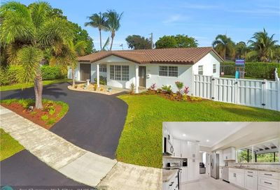 2351 NE 50th Ct Lighthouse Point FL 33064