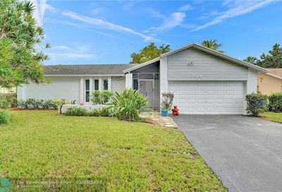 2614 NW 98th Ln Coral Springs FL 33065