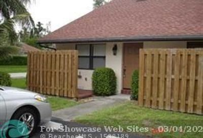 4891 SW 64th Way Davie FL 33314