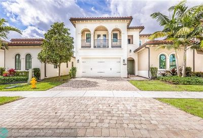 1290 SW 113th Way Pembroke Pines FL 33025