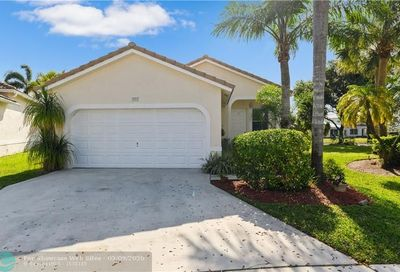 3913 NW 88th Ter Coral Springs FL 33065