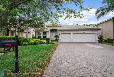 5832 NW 56th Dr Coral Springs FL 33067