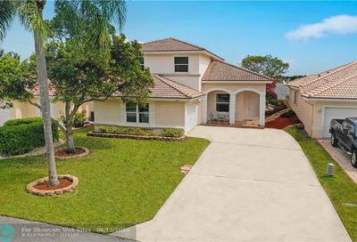 3754 Coco Lake Dr Coconut Creek FL 33073